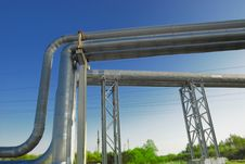 Free Industrial Pipelines Royalty Free Stock Images - 6611059