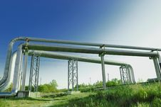 Free Industrial Pipelines Royalty Free Stock Photography - 6611087