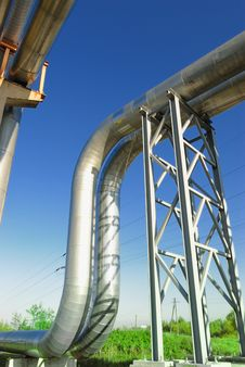 Free Industrial Pipelines Royalty Free Stock Images - 6611109