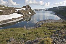 Free Kids At Mountain Lake, Norway Royalty Free Stock Image - 6613736