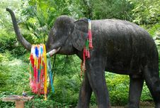 Free Buddhist Shrine With Elephant Stock Photography - 6614962