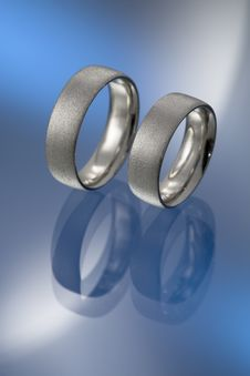 Free Platinum Wedding Bands Royalty Free Stock Images - 6614979