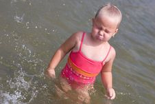 Free Girl Ready To Swim Stock Photo - 6615090