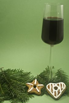 Free Wine And Christmas Cookie Royalty Free Stock Images - 6616669