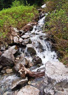 Free Waterflow Over Rocks Royalty Free Stock Photo - 6618615