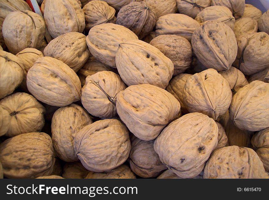 Fresh wallnuts