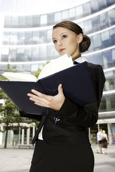 Free Young Businesswoman Royalty Free Stock Photos - 6621888