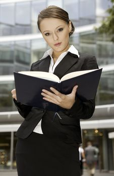 Free Young Businesswoman Stock Photos - 6621903