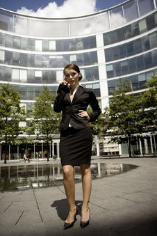 Free Young Businesswoman Royalty Free Stock Photo - 6622015