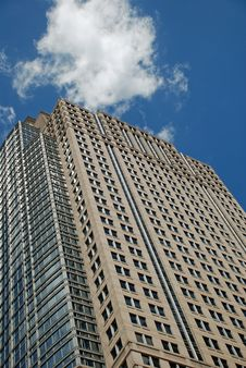 Free A Tall Office Building Royalty Free Stock Photos - 6622028