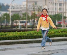 Free Walking  Girl Stock Photos - 6622803
