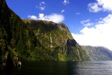 Free Milford Sounds (6) Royalty Free Stock Photo - 6623605
