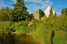 Free Houses On  The Avon River Stock Photos - 6624213