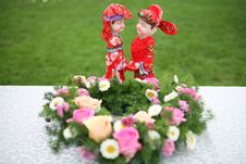Free Happy Pair And Flowers Stock Photography - 6626282