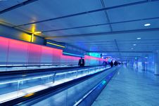 Free People Moving In Airport Corridor Royalty Free Stock Photos - 6627558