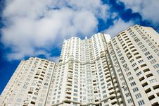 Free Buildings Over Blue Sky Background Royalty Free Stock Images - 6631769