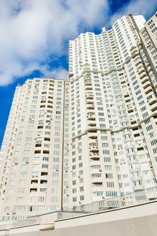 Free Buildings Over Blue Sky Background Stock Photography - 6632272