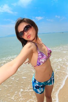 Free Woman Having Fun At The Beach Royalty Free Stock Photography - 6633667