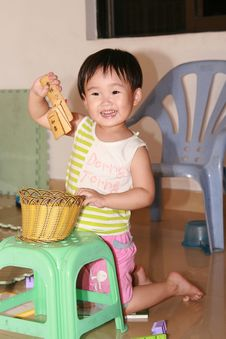 Free Chinese Children Lovely Royalty Free Stock Images - 6635089