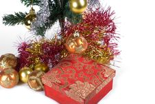 Free Present Under The Christmas Tree Royalty Free Stock Image - 6635106