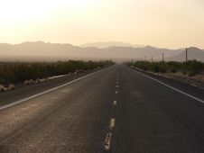 Free Desert Road To Nowhere Stock Photography - 6636702