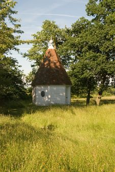 Free Summerhouse In The Meadow Stock Photo - 6638290