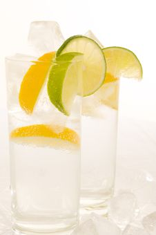 Free Water With Fresh Lemon Stock Image - 6638401