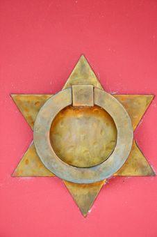 Free Old Grunge Bronze Door Handle Stock Images - 6639734