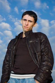 Free Young Man Looking To You Against The Blue Sky Royalty Free Stock Photos - 6640198