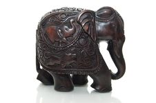 Free Red Wooden Elephant Stock Images - 6642424