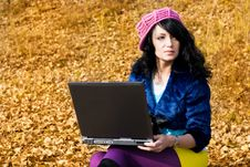 Free Dreamy Girl With A Laptop Outdoor Royalty Free Stock Photos - 6644408
