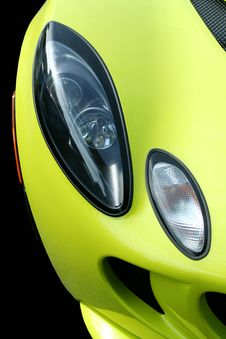 Free Yellow Sports Car Headlights Royalty Free Stock Photography - 6644717