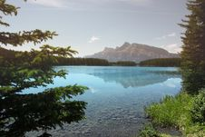 Free Lonely Lake And Mountains Stock Images - 6646514