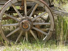 Free Old Wagon Wheel Royalty Free Stock Image - 6651006