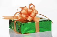 Free Green Present With Orange Bow Royalty Free Stock Photos - 6652808