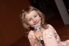 Free Girl With Microphone Stock Photos - 6655543