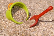 Free Bucket And Shovel In Shells And Send Stock Image - 6656371