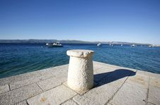 Free Rope-tie On Jetty In The Mediterranean Sea Royalty Free Stock Photo - 6657755