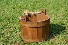 Free Wooden Bucket Stock Image - 6657841