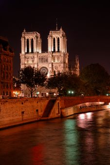 Free Paris By Night: Notre Dame Cathedral Royalty Free Stock Photography - 6659887