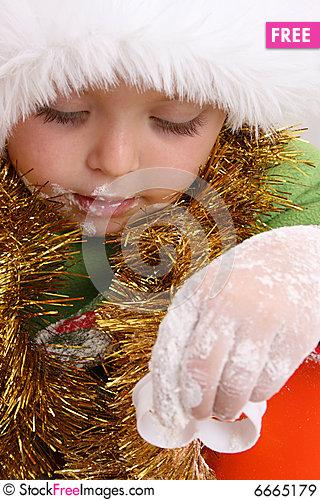 Free Baking Christmas Cookies Royalty Free Stock Images - 6665179