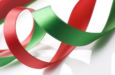 Free Red And Green Ribbon On White Royalty Free Stock Photos - 6660378
