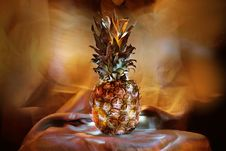 Free Luminous Pineapple Royalty Free Stock Images - 6662049
