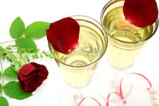 Free Two Glasses Royalty Free Stock Photos - 6666808