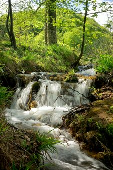 Free Small Waterfall On A Stream In Mountain Resort Stock Photos - 6667493
