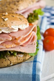 Close Up Of A Fresh Bagel With Honey Roasted Ham Stock Photography