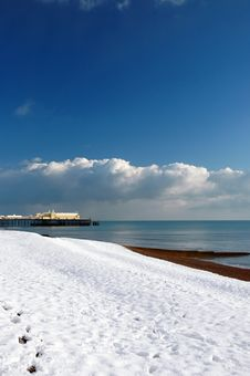 Free Hastings Pier In The Snow-2 Stock Photo - 6671670