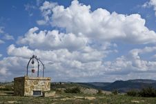 Free Well In Tuscan Stock Photo - 6679260