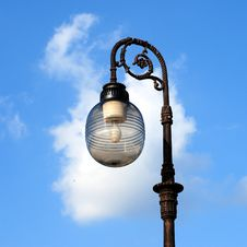 Free Ornate Street Lamps Royalty Free Stock Image - 6685726