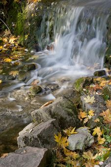 Free Autumn Waterfall Royalty Free Stock Photos - 6685958